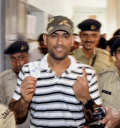 MS Dhoni casts his vote in Jharkhand http://sports.ndtv.com/cricket/news/item/191688-ms-dhoni-casts-his-vote-in-jharkhand