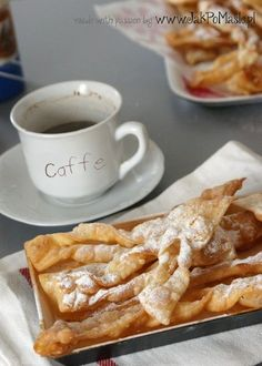 Przepis na tradycyjne polskie faworki znane również jako chrusty. Faworki to smaczny deser nie tylko na tłusty czwartek, ale na codzień. Polish Desserts, Polish Recipes, Cake Cookies, Bon Appetit, Tea Time, Banana Bread, Waffles, French Toast, Good Food