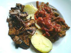 Kartoffeln mit Bohnen in Tomatensoße und Räuchertofugeschnetzeltes