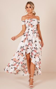 2019 Trendy Prom Dresses Today we are going to talk about an exciting topic. Yes, the topic is prom dresses! As you know that, prom time is approaching. Prom Dresses With Pockets, Straps Prom Dresses, Prom Dresses Blue, Satin Dresses, Homecoming Dresses, Cute Dresses, Evening Dresses, Gowns, Summer Dresses