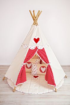 Henry's House - Classic Teepee and Accessories www.henrys-house.com