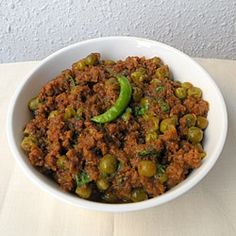 Indian dry curry with Minced Meat and Green Peas World Recipes, Meat Recipes, Indian Food Recipes, Cooking Recipes, Venison Recipes, Diabetic Recipes, Drink Recipes, Healthy Recipes, Bangladeshi Food