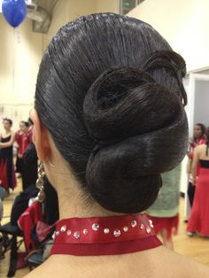 Simple low pony hairdo with long hair
