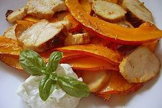 Chefkoch Rezept: Ofenkürbis - würziger Hokkaido von mfeldmann Dairy Free, Gluten Free, Cooking Recipes, Healthy Recipes, Yummy Recipes, Healthy Food, Finger Foods, Thai Red Curry, Yummy Food