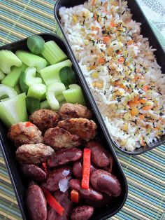 A whole bunch of vegan bento recipes - Plant Based Lunch - Bento Recipes, Vegetarian Recipes, Bento Ideas, Healthy Recipes, Lunch Ideas, Vegan Lunches, Lunch Snacks, Vegan Foods, Asian Recipes