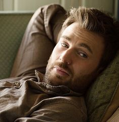 how does a man like this even exist Capitan America Chris Evans, Chris Evans Captain America, Capt America, Robert Evans, Cris Evans, Christopher Evans, Marvel Actors, Lisa, Steve Rogers