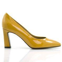 Temuco okergeel Pumps, Shoes, Fashion, Moda, Zapatos, Shoes Outlet, Fashion Styles, Pumps Heels, Pump Shoes