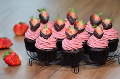 Macaron, Creative Cakes, Cake Cookies, Cake Recipes, Cake Decorating, Muffins, Cupcake, Sweets, Food