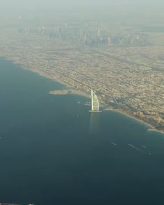 We traveled to Dubai to make the most complete travel guide ever. Discover the best things to do, to see, to eat in Dubai. (with exact locations & handy tips) dubai burjkhalifa desertsafari dubaimarina jumeirah 701294973209612599 Dubai Buildings, Dubai Houses, Modern Buildings, Dubai City, Cities In Dubai, Hotels In Dubai, Dubai Tower, Luxury Hotels, Desert Photography