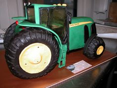 John Deere Tractor cake - this is awesome!