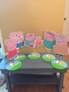 Peppa the pig inspired Character Centerpiece peppa by SOUTHFLOWER Peppa Pig is a British isles Pig Birthday, 3rd Birthday Parties, Birthday Party Decorations, Birthday Ideas, Pepper Pig Party Ideas, Cumple George Pig, George Pig Party, Aniversario Peppa Pig, Cumple Peppa Pig