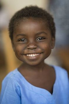 happy smile / portraits of africa Precious Children, Beautiful Children, Beautiful Babies, Beautiful Smile, Black Is Beautiful, Beautiful People, Perfect Smile, Gorgeous Eyes, Just Smile
