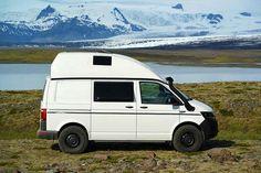Camping im VW Bus auf Island. Mehr Infos unter www.custom-bus.de