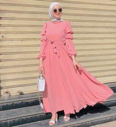 Abaya Fashion, Muslim Fashion, Modest Fashion, Fashion Outfits, Dubai Fashion, Girls Maxi Dresses, Casual Dresses, Casual Outfits, Hijab Style Dress