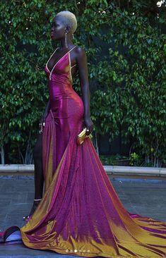 Meet The Stunning Model Who Shut Down The Emmy Red Carpet - - Nyakim Gatwech-emmys-queen-of-the-dark-skin-model Source by valizana - Beautiful Black Women, Beautiful Gowns, Gorgeous Dress, Stunning Dresses, Dark Skin Models, Mode Editorials, Mode Style, The Dress, Pink Dress