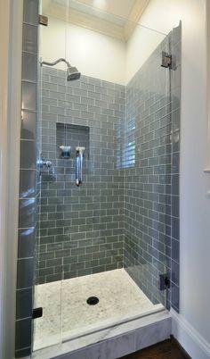 salle de bains grise,cabine de douche jolie et convenable