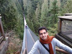 Capilano Suspension Bridge:pole moallaghe kheili mortafa