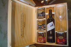 Caja de vinos y conservas