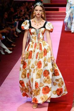 Dolce & Gabbana Spring/Summer 2018 Ready To Wear | British Vogue