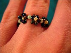 How to Make a Flower Bead Ring (with Pictures)
