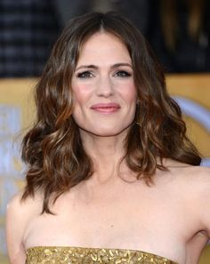 19 Ways to Style Long, Wavy Hair: Jennifer Garner