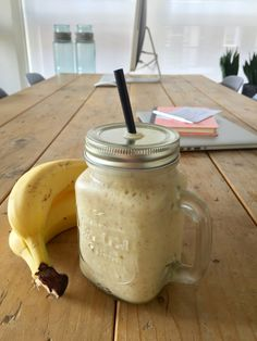 Ontbijtsmoothie banaan, mango, havermout