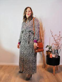 Jurk Devanshu African Leopard Sustainable Clothes, African Leopard, Dresses For Work, Dresses With Sleeves, Long Sleeve, Fashion, Moda, Sleeve Dresses, Long Dress Patterns
