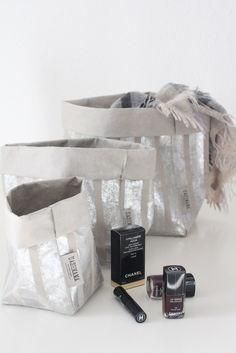 """UASHMAMA Paper Bag """"Medium Stripe"""", grey/silver By : Dein Lieblingsladen"""