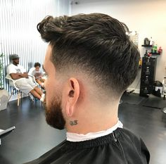 Exclusive haircuts for men - DarlingNaija Classic Mens Hairstyles, Mens Hairstyles With Beard, Hairstyles Haircuts, Haircuts For Men, Cool Hairstyles, Shot Hair Styles, Hair And Beard Styles, Igora Hair Color, Low Fade Haircut