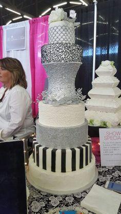 Wedding cake -silver