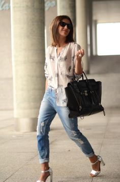 love the jeans, blouse and bag - not the shoes