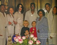 MJ and his family. The Jackson Five, Jackson Family, Janet Jackson, Paris Jackson, Michael Jackson Fotos, The Jacksons, We Are The World, Family Affair, The Wiz