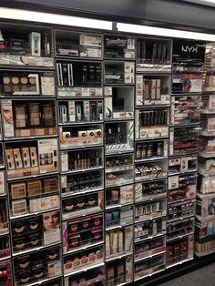Makeup Vanity Decor, Makeup Room Decor, Makeup Rooms, Gorgeous Makeup, Cute Makeup, Makeup Drawer Organization, Beauty Salon Decor, Cute Room Ideas, Make Up Storage
