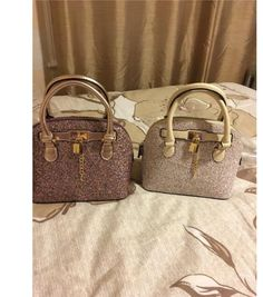 handbags for fall Popular Purses, Popular Handbags, Handbags Online, Handbags On Sale, Luxury Handbags, Versace Handbags, Cheap Handbags, Fall Handbags, Fashion Handbags