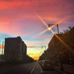 #bu #iloveboston #ignewengland #Boston #bostonusa #bostonuniversity #iheartboston #igboston #igersboston #igersnewengland #bostonma #sunset #scenesofnewengland #skystyles #skyporn by oliviakramer11