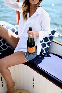 Veuve Cliquot by the water in Newport, RI via For All Things Lovely Veuve Cliquot, For All Things Lovely, Preppy Style, My Style, Confessions Of A Shopaholic, Stunning Women, Surf Girls, Sexy Lingerie, Style