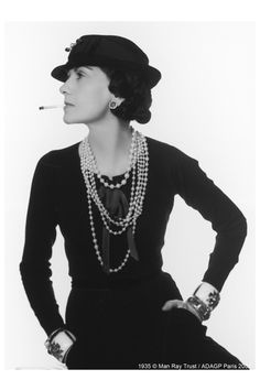 "-Gabrielle Chanel, dite 'Coco Chanel'-  *Créatrice de Mode, Modiste et Grande Couturière ainsi que les parfums'  -""I don't do fashion. I am fashion""-  -by Man Ray"