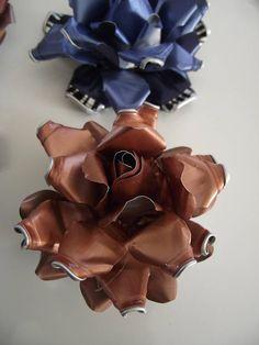 rose en capsule nespresso couleur je peux vous faire les roses selon les couleur que vous voulez ( bleu ,rose ,vert ,cuivre ,or ,violet ) 1€50 pièces