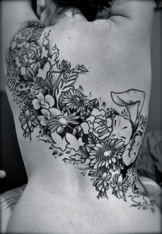 Lots of flowers...I think this is amazing!! If I could find someone to draw this, I would get it in a heartbeat!!
