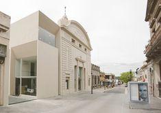 Politeama Theatre  / Estudio Lorieto-Pintos-Santellán arquitectos