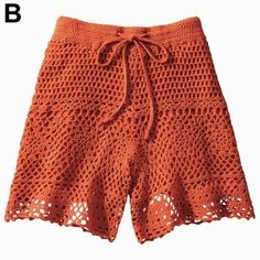 crochelinhasagulhas: Short de crochê Crochet Pants, Crochet Skirts, Crochet Clothes, Form Crochet, Crochet Lace, Filet Crochet, Short Tejidos, Bikinis Crochet, Summer Knitting