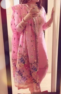 What a pretty color and dress Punjabi Salwar Suits, Punjabi Dress, Designer Punjabi Suits, Indian Designer Wear, Pakistani Dresses, Indian Dresses, Salwar Kameez, Indian Suits Punjabi, Punjabi Bride