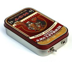 Portable Altoids Amp und Lautsprecher für iPhone MP3-Player-Tiger/rot von ampoids auf Etsy https://www.etsy.com/de/listing/198168049/portable-altoids-amp-und-lautsprecher