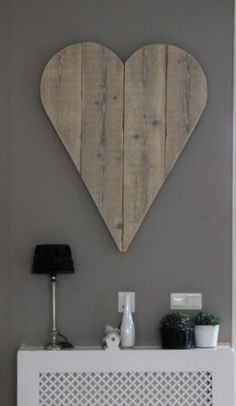 Heart - what a great idea for wall decor.  Think I will have Bill make for @lexi Pixel Duarte-Massey Tuck  new apartment