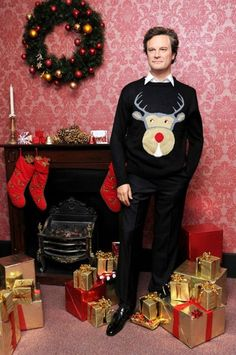 Bless him and his reindeer jumper. I still covet, yes covet, Colin Firth! Bless him and his reindeer jumper. I still covet, yes covet, Colin Firth! Funny Christmas Sweaters, Christmas Jumpers, Noel Christmas, Christmas Humor, Christmas Presents, White Christmas, Bridget Jones, Colin Firth, Showgirls