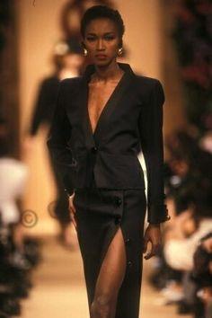 Katoucha Niane en Janvier 1989.  Haute couture été 1989. Photo Guy Marineau
