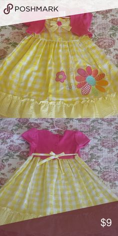 Girls Dress 4T Sweet yellow and white check patter with attached light-weight, pink shrug jacket. Made by Youngland, 60% cotton, 40% polyester, machine washable (turn inside out). Excellent condition. Youngland Dresses