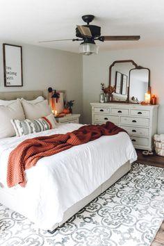 Fall Bedroom Decor, Room Ideas Bedroom, Fall Home Decor, Home Bedroom, Cozy Master Bedroom Ideas, Bedroom Inspiration Cozy, Fall Apartment Decor, Apartment Master Bedroom, Master Bedroom Redo
