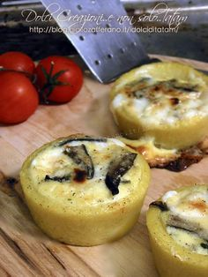 Polenta baskets stuffed with mushrooms and cheese - Humor Culinario Tapas, My Favorite Food, Favorite Recipes, Wine Recipes, Cooking Recipes, Salty Foods, Appetisers, Food Humor, Tortellini