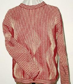 Pullover in Shadow Knitting Technik